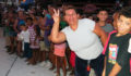Marisela-Arrival-Crowd (Photo 15 of 29 photo(s)).