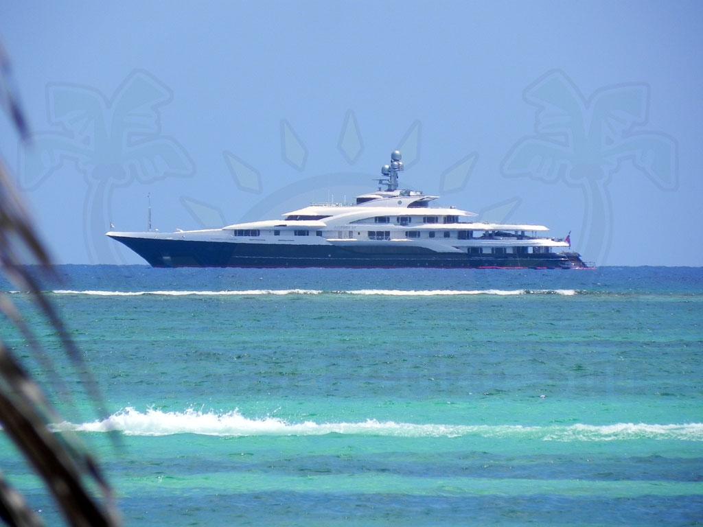 Bill Gates Touring Belize Onboard Attessa Iv The San Pedro Sun