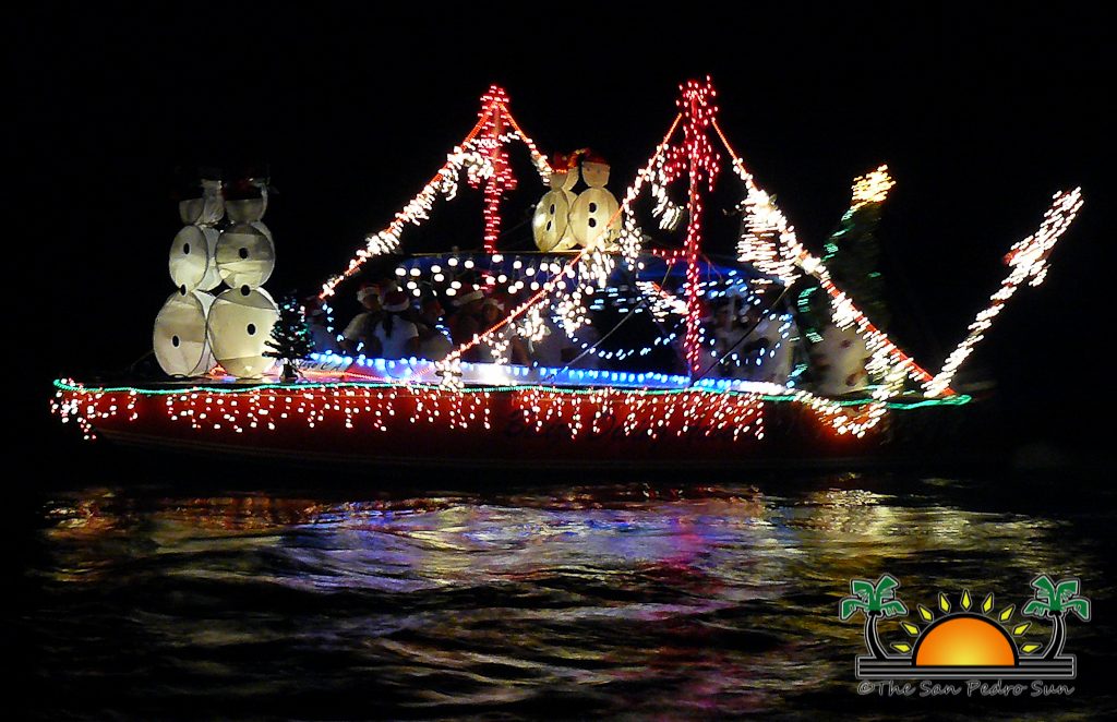Christmas Boat Parade Decorating Ideas.Decorating Tips For The Holiday Lighted Boat Parade The