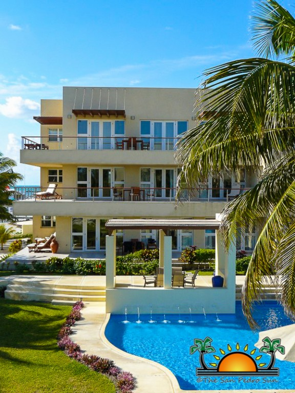 Ambergris caye wins big with 2013 trip advisor s travelers for Small luxury hotels phoenix