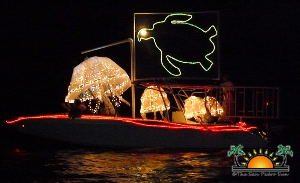 Boat Parade WEB-1 & Decorating tips for the Holiday Lighted Boat Parade - The San Pedro Sun