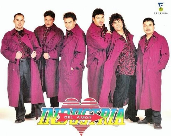 22 Industria Del Amor 3