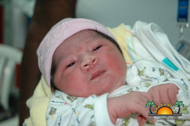 Red Cross Donates Mother Newborn-2