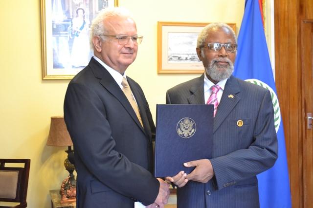 US Ambassador Carlos Moreno presented credentials 1