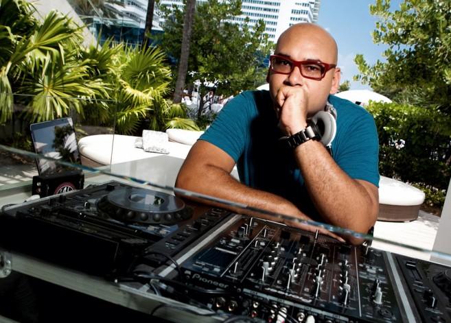 J Boog DJ JAX Costa Maya Performers-4