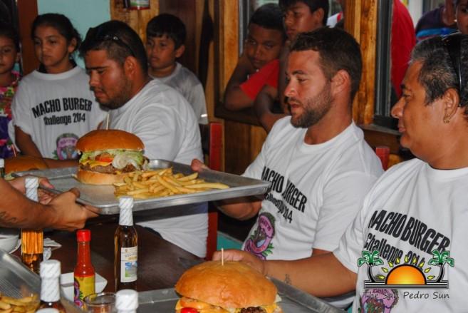 Elvis Kitchen 2014 Macho Burger Challenge-10