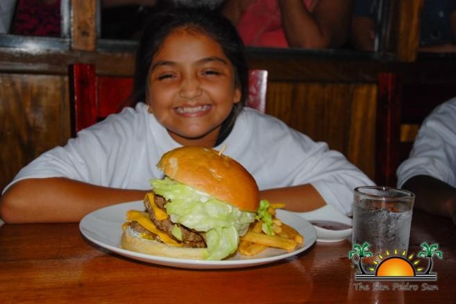 Elvis Kitchen 2014 Macho Burger Challenge-34