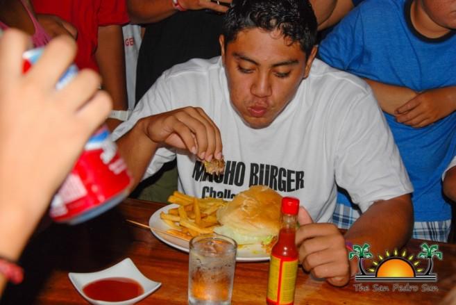 Elvis Kitchen 2014 Macho Burger Challenge-39