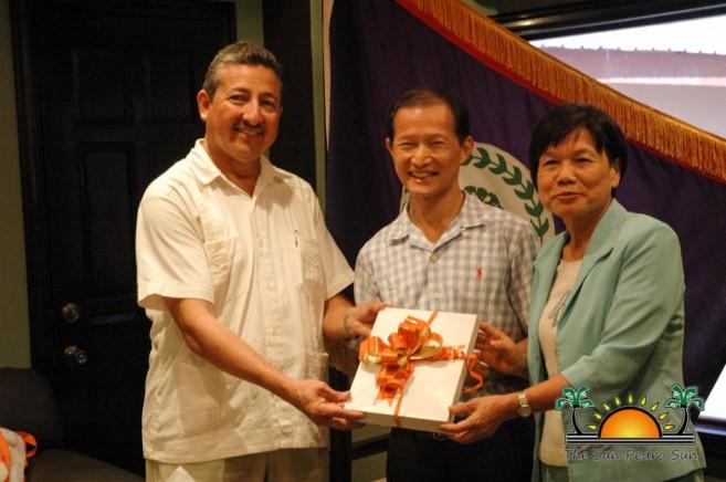 Taiwan Delegation Visits San Pedro Mayor-1