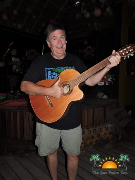 Bob Vollmer is now the proud owner of two Dale Wallace custom made guitars. Needless to say, Vollmer is delighted!