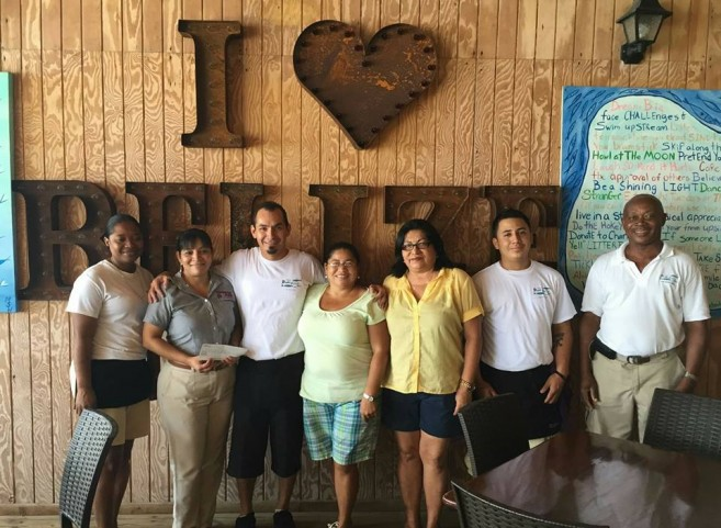 09 Blue Water Grill donates to Cancer Society