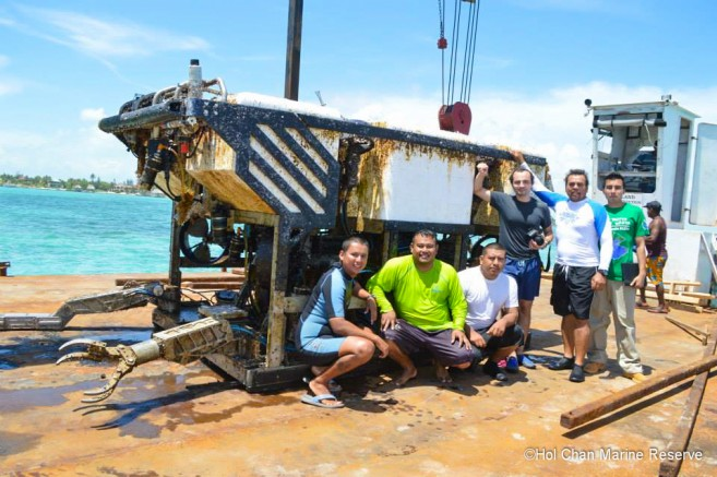 Submersible Removed Barrier Reef Hol Chan-3