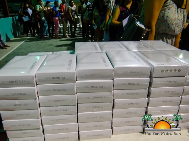 Tablet Giveaway Tertiary Level Students-5