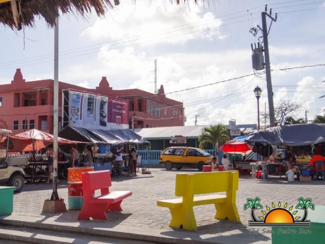 Street Park Vendors Local Crafts-1