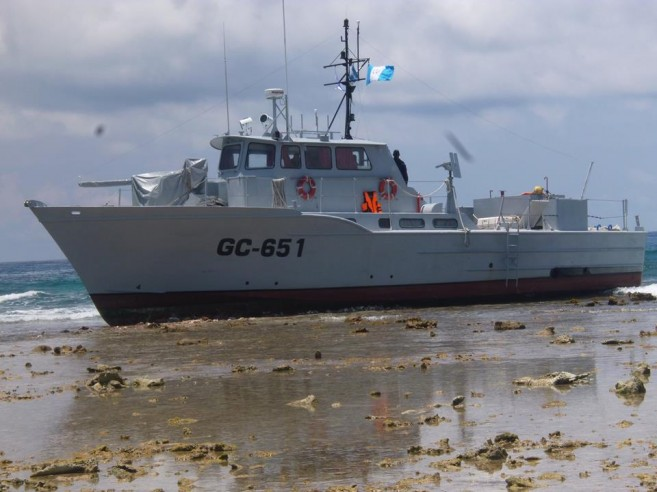 24 Guatemala vessel runs into Glovers Reef-3