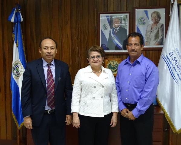 Minister Marin in El Salvador