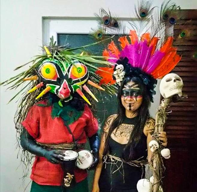 Friki Tiki Medicine Woman Halloween-1