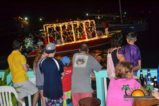 2015 Christmas Lighted Boat Parade-10