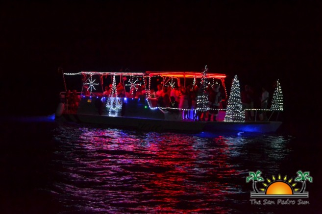 2015 Christmas Lighted Boat Parade-6