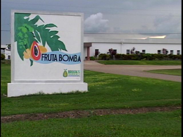 07 Fruta Bomba closing down