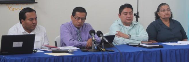 Vector control officer Kim Bautista, Director of Health Services Dr. Marvin Manzanero, Dr. Russell Manzanero , Dr. Natalia Largaespada.