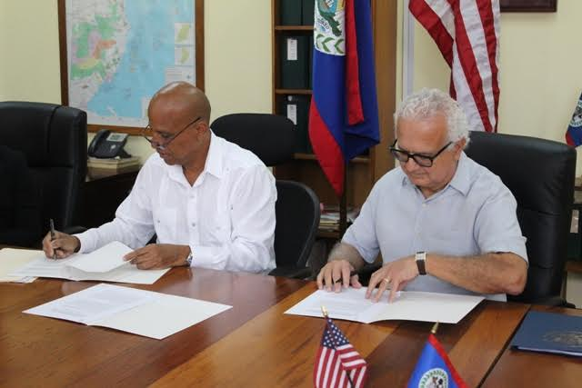 US Embassy and BZE signs agreement