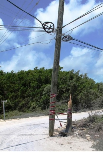 21 Damaged Pole on North Ambergris Caye