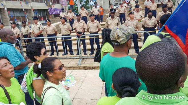 bntu-teachers-protest-independence-hall-belmopan-6
