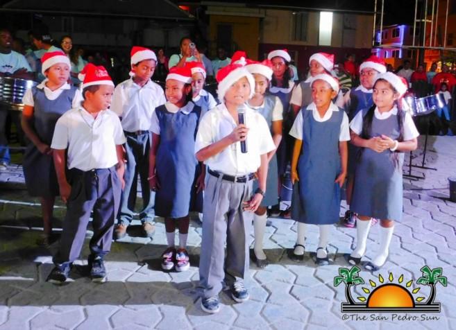 christmas-tree-lighting-ceremony-2