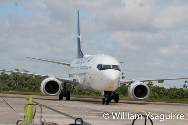 westjet-lands-in-belize-1
