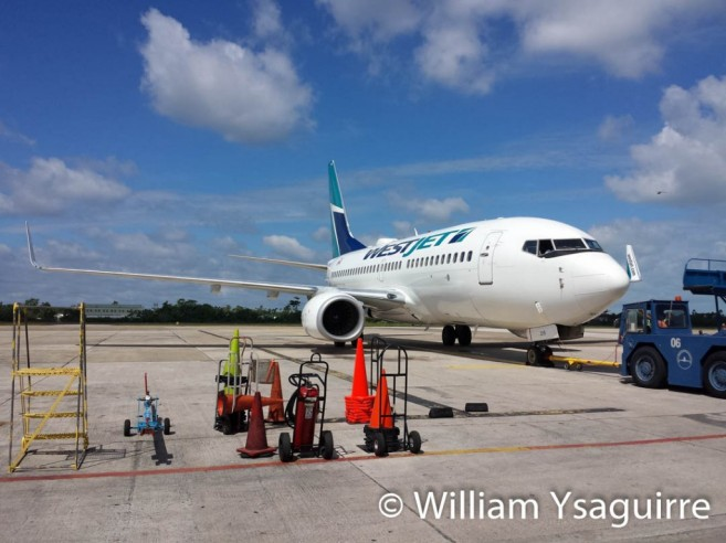 westjet-lands-in-belize-4