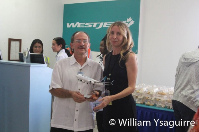 westjet-lands-in-belize-7