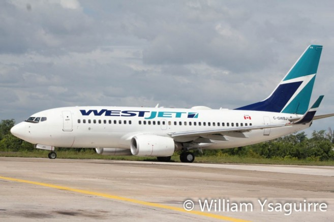 westjet-lands-in-belize-9