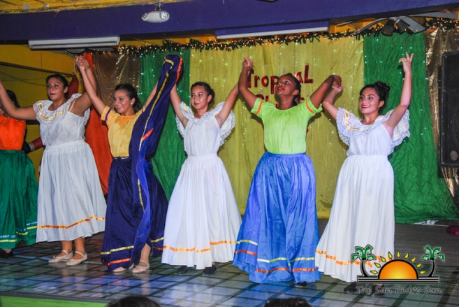 tropical-christmas-dance-academy-show-16