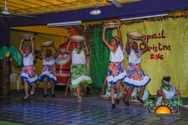 tropical-christmas-dance-academy-show-6